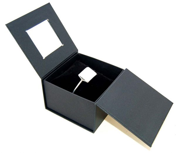 Bangle Box with Pillow | Black