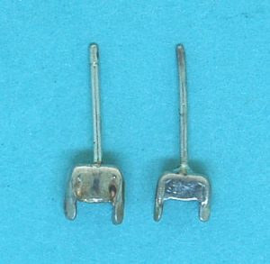 Square Sterling Silver Claw Set Earstud