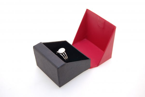 Ring Box | Black and Red