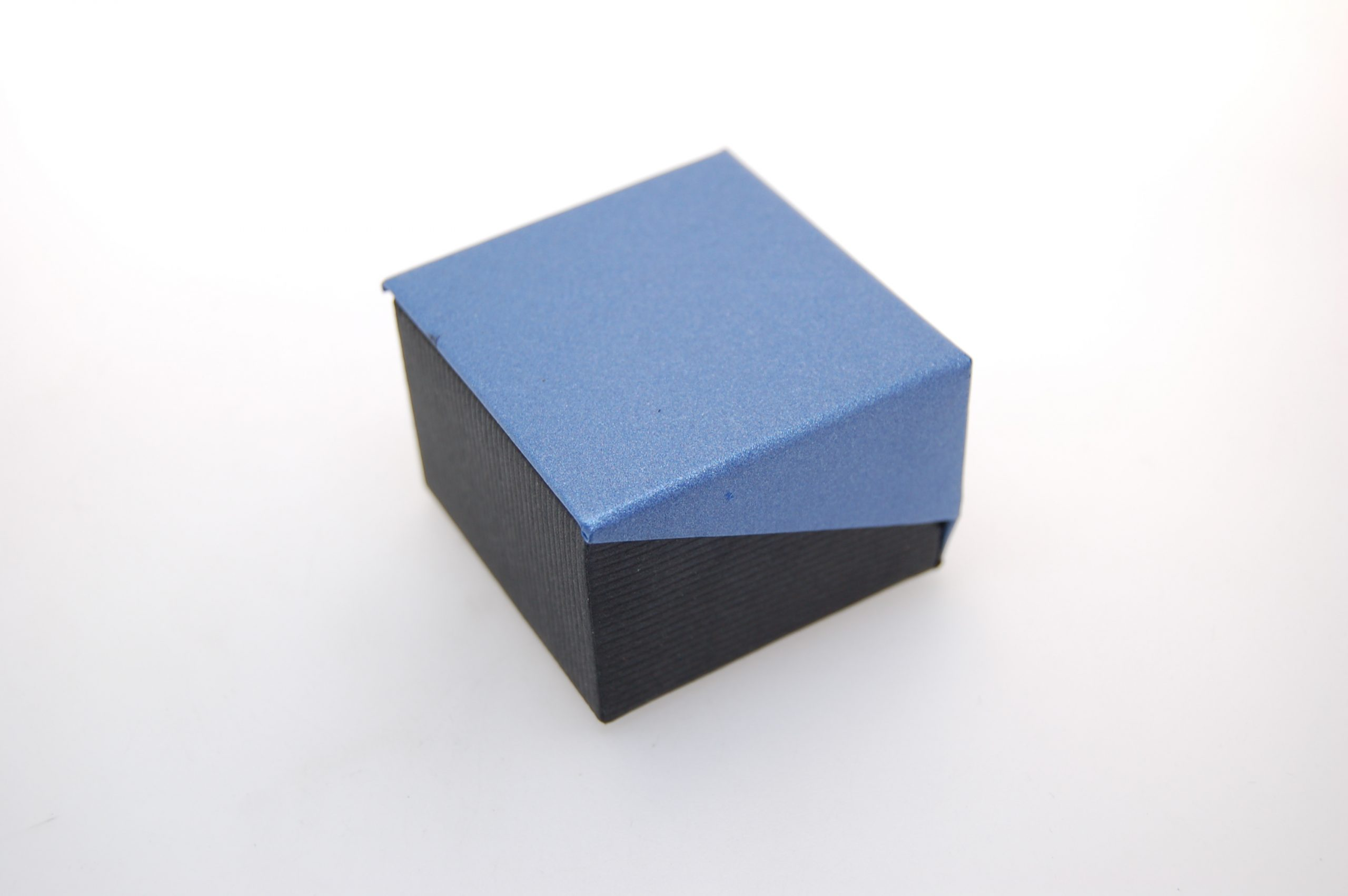 Ring Box | Blue and Black
