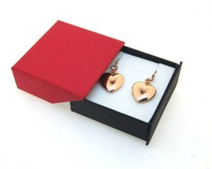 Small Pendant/Earring Box | Retractable Lid | Black and Red