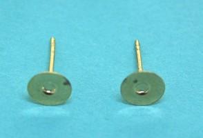 Earpost flat pad | gilt base metal