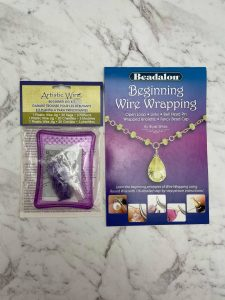Gift set: Beginning Wire Wrapping booklet and jig kit