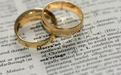 Do men wear engagement rings?